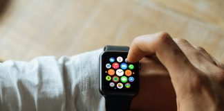 Apple Watch 2 may come in two versions