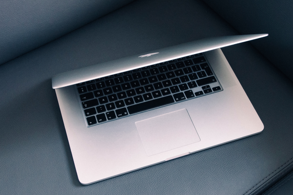 Next MacBook Pro may come with a fingerprint-reading power button