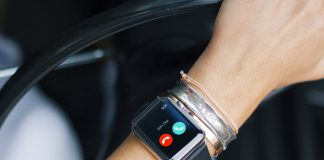 How to quickly silence an incoming call on Apple Watch