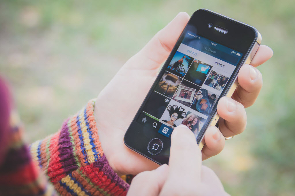 How to Share Multiple Photos in One Instagram Post